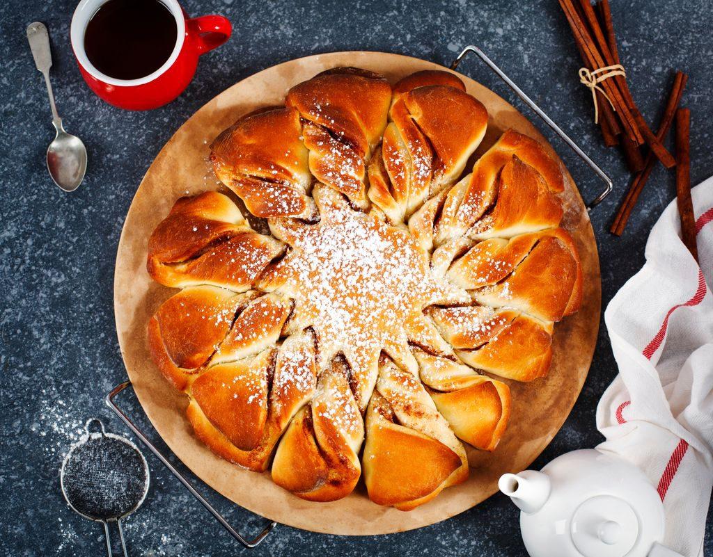 Torta fiore di pan brioche al cioccolato
