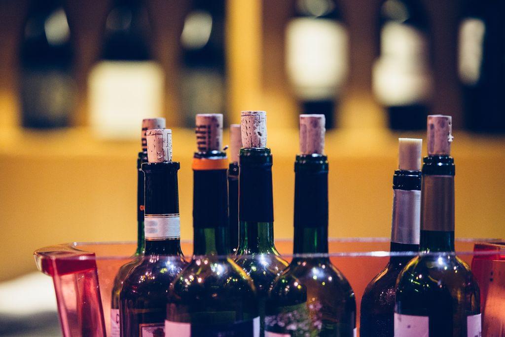Come conservare il vino aperto, i trucchi e i suggerimenti