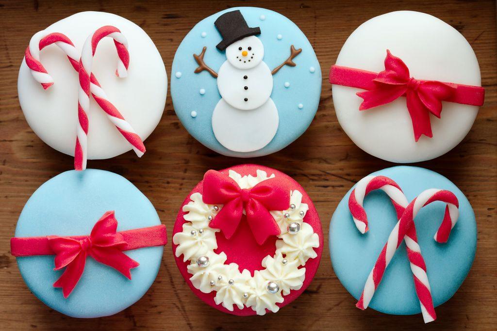 Come decorare i biscotti di Natale con pasta di zucchero