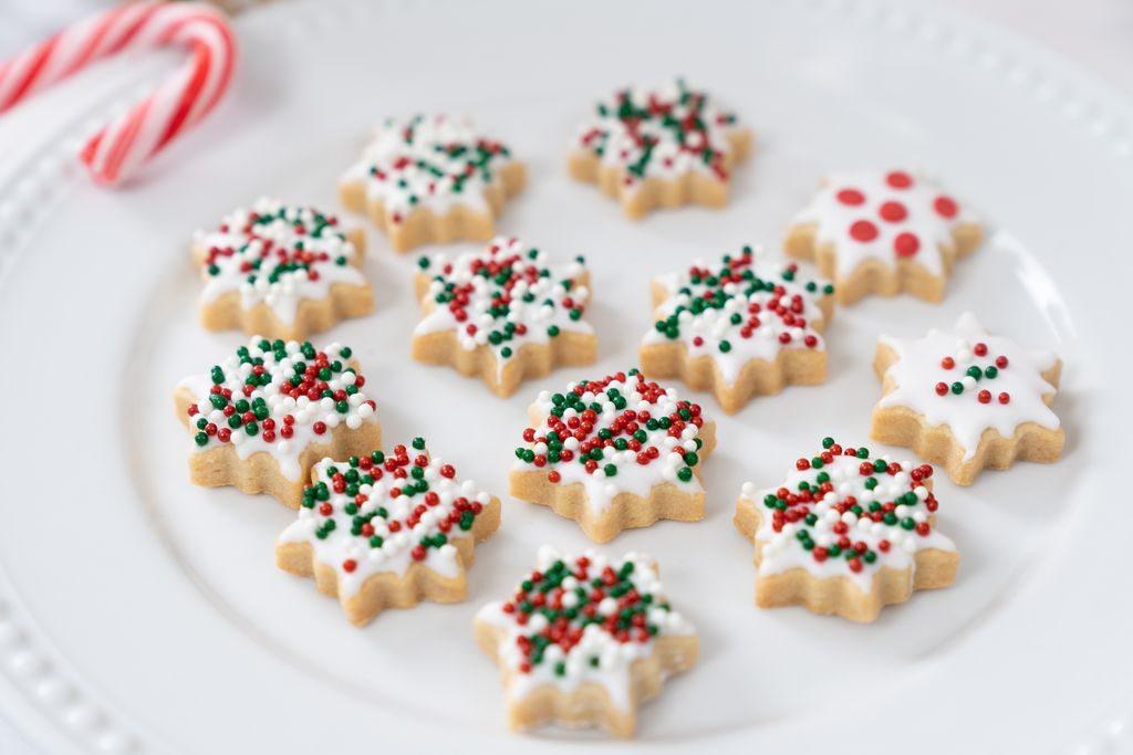 Come decorare i biscotti con zuccherini colorat