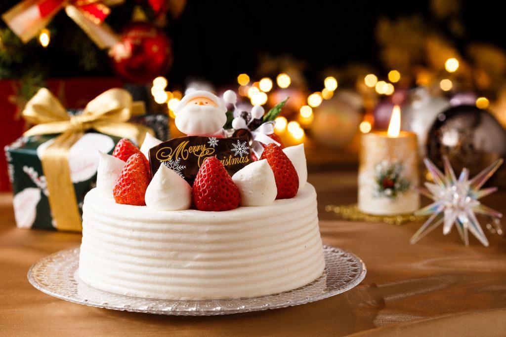 Decorazioni torte natalizie con panna