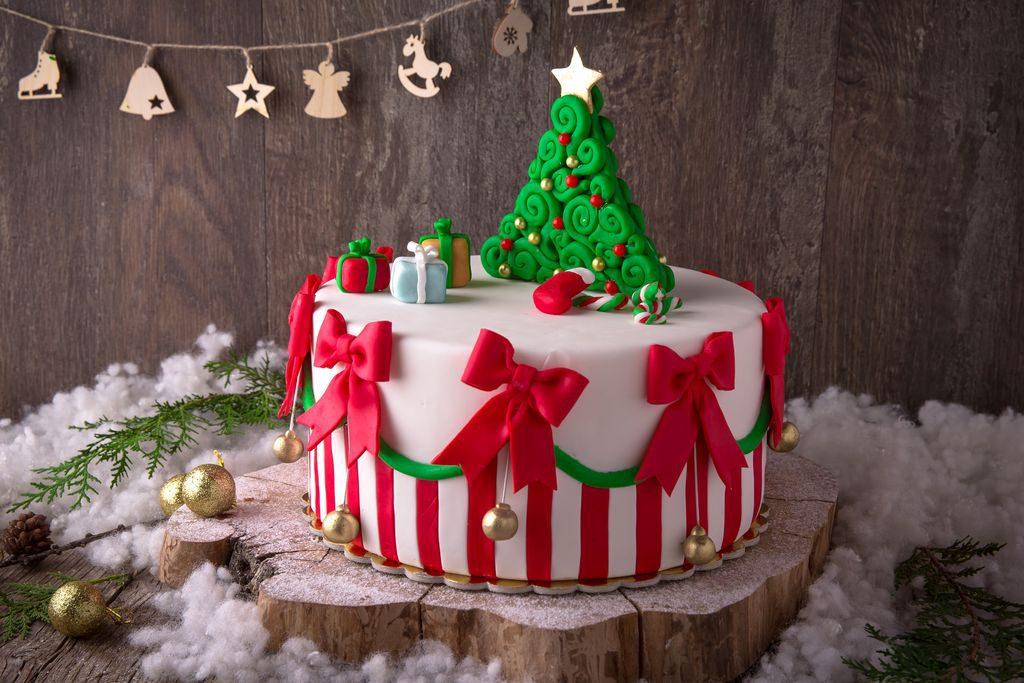 Decorazioni torte natalizie con pasta di zuccher