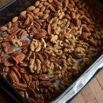 Come tostare la frutta secca nocciole, mandorle, arachidi, noci, pinoli e semi di zucca