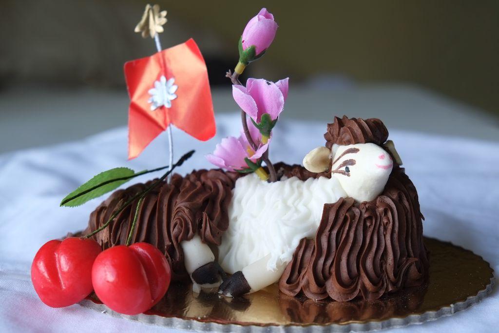 Dolci di Pasqua pugliesi - agnello di marzapane