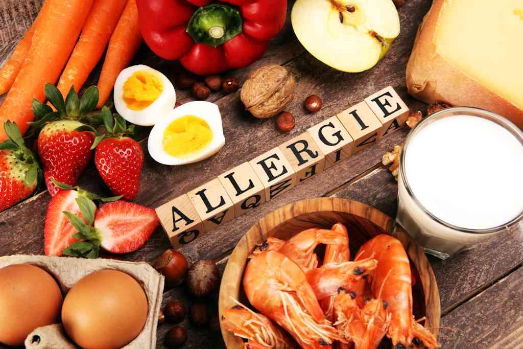 Allergie e intolleranze alimentari: quali sono, i sintomi e i test da fare