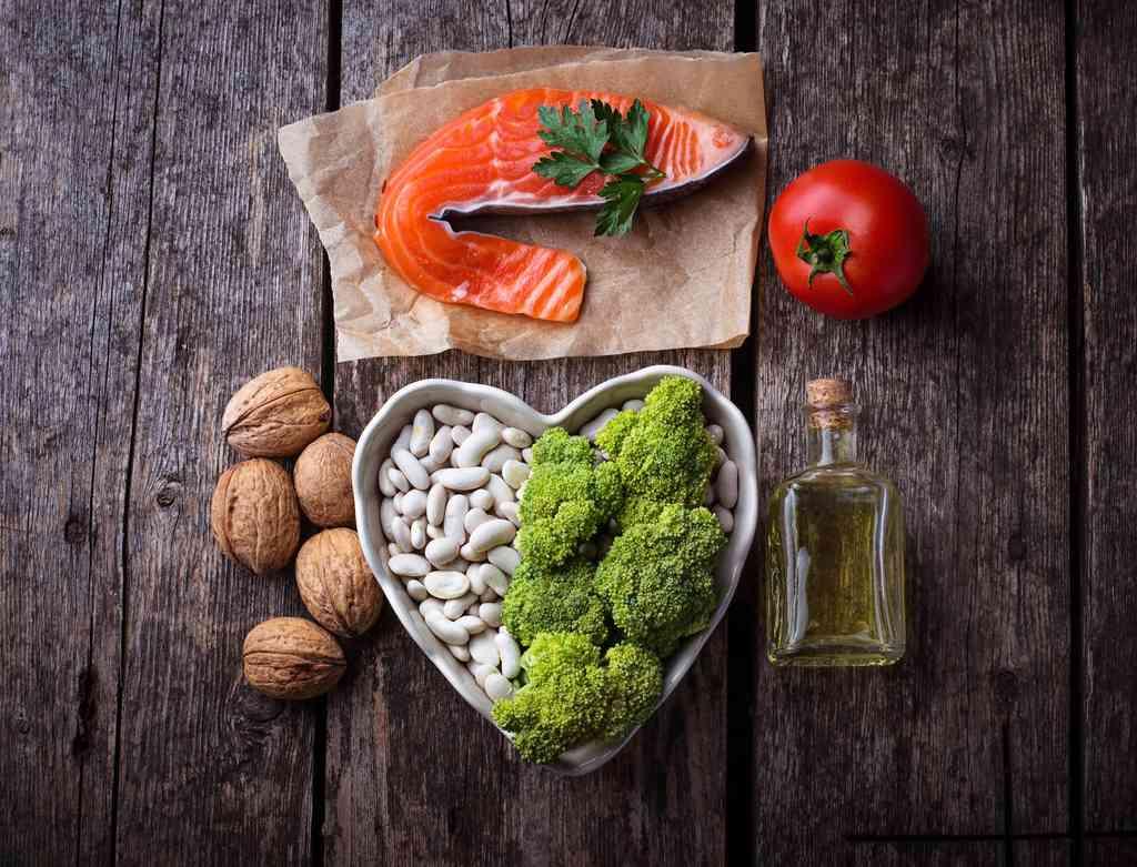 Cosa mangiare per abbassare il colesterolo cattivo alto