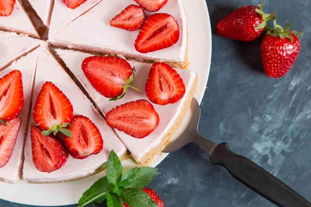 Ricette con le fragole: come gustarle tra dolci e ricette salate