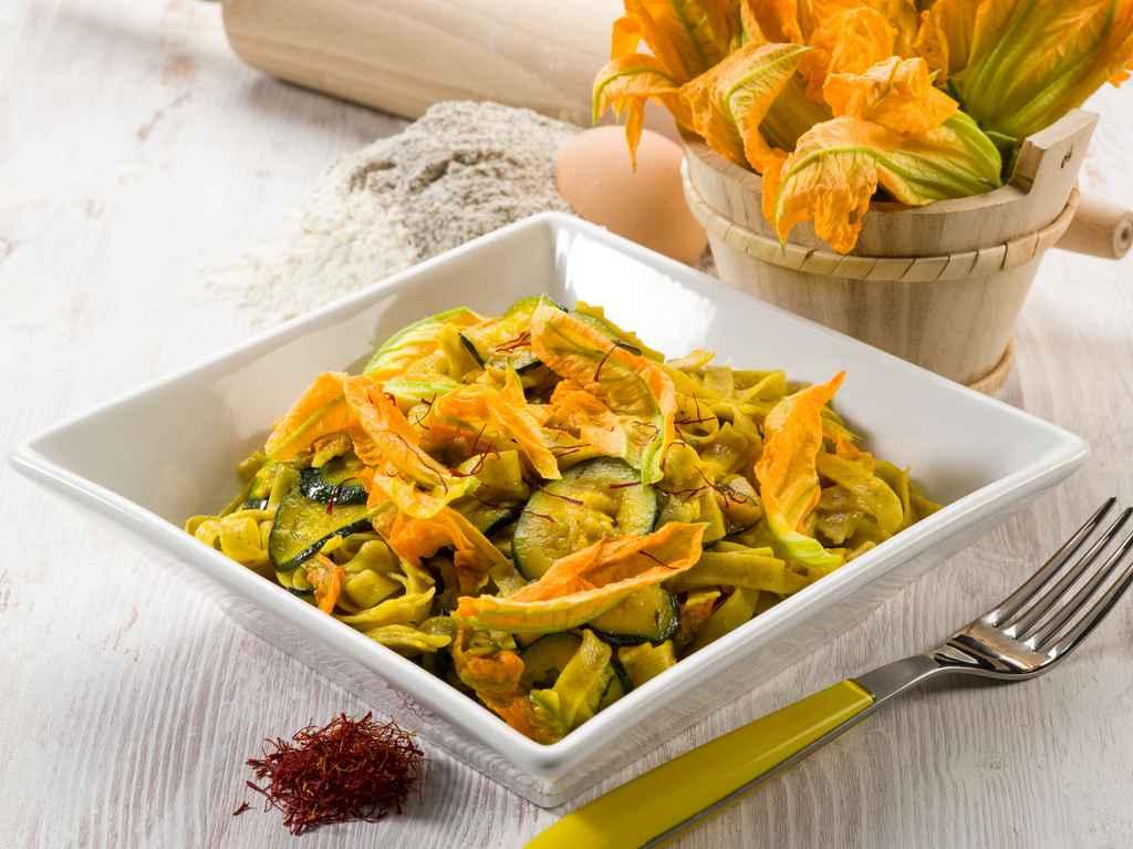 Primi piatti con i fiori di zucca